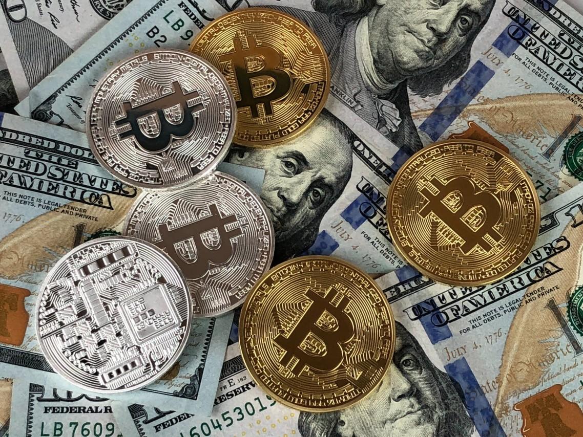 Vrednost bitkoina premašila 10.000 dolara