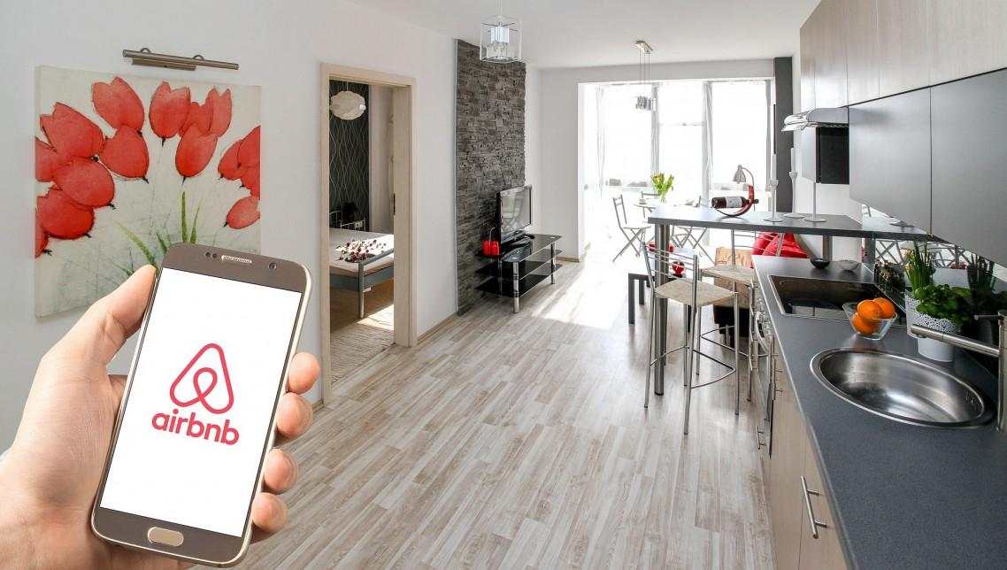 """Direktor Airbnba: """"Trebalo nam je 12 godina da izgradimo Airbnb, a izgubili smo skoro sve u četiri do šest nedelja"""""""